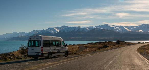 Campervan-on-Lake-Pukaki